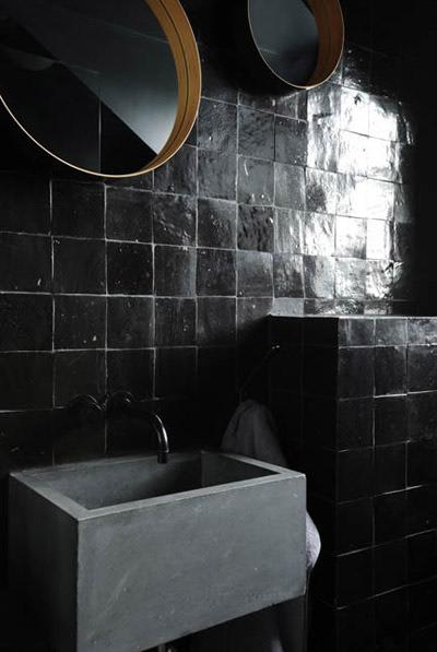 gray_black_bathroom_2