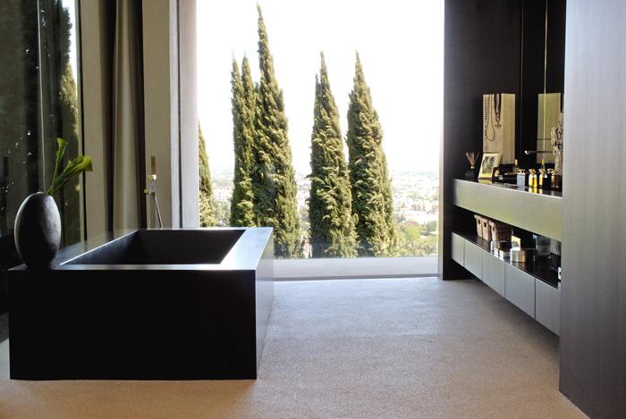 dark bathroom design