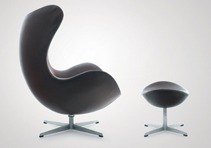 Arne Jacobsen swivel lounge chair