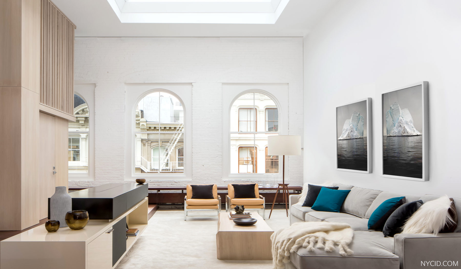 Soho Landmark Loft - Living Room