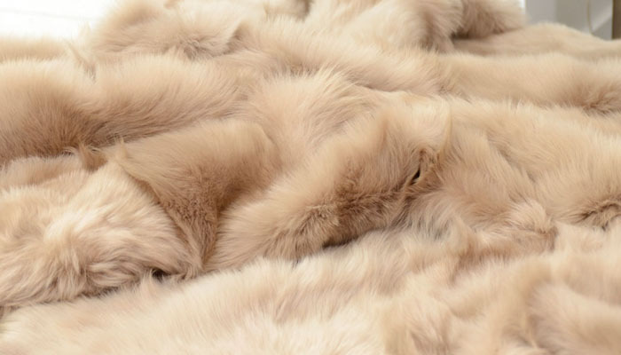 luxurious throw blankets 1