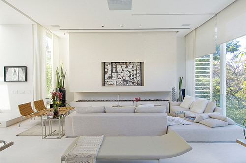 Creating Living Rooms with Light Neutral Colors