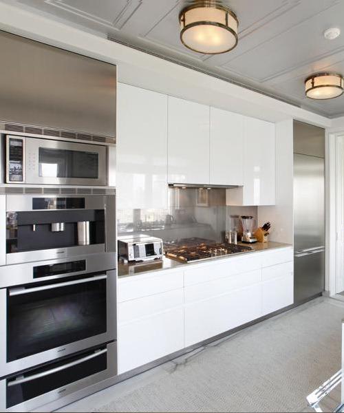 kitchen - stainless steel appliances and backsplash